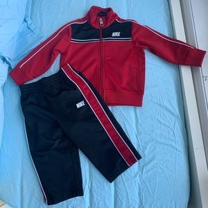 Nike 12m Track Suit